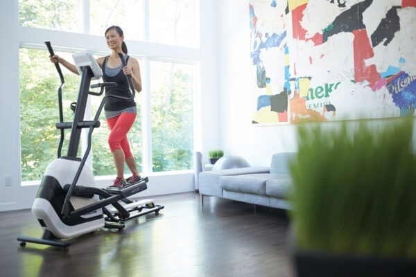 máy chạy bộ và elliptical