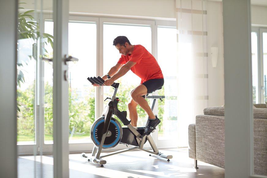 xe đạp thể thao tại nhà